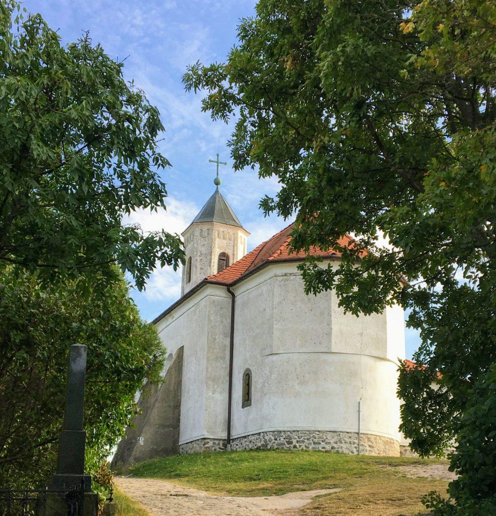 Szent Mihály dombi halász kápolna Vonyarcvashegyen